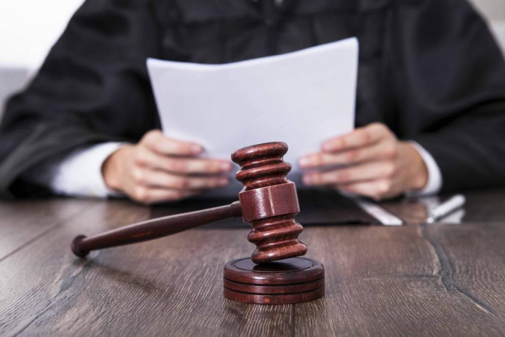 St. Louis Family Law Attorney Discusses Contempt of Court