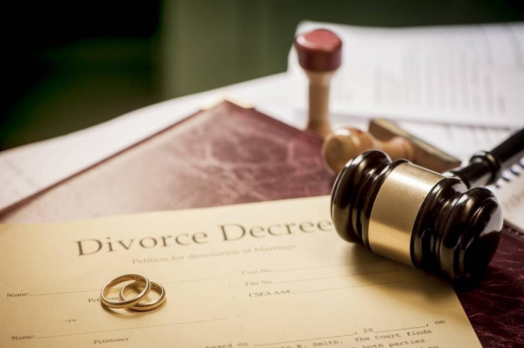 St. Louis Divorce Lawyer Discusses Divorce Decrees in Missouri
