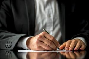 What Happens to Your Inheritance After Divorce in Missouri?