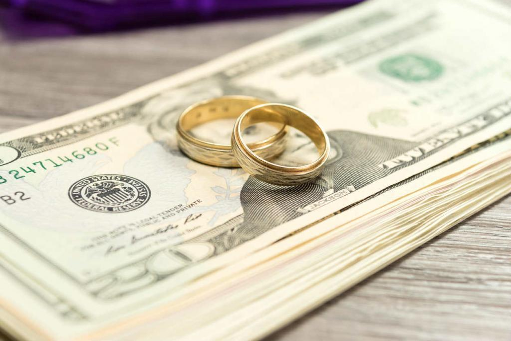 Managing Joint Financial Accounts During a Divorce